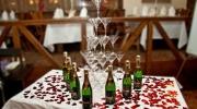 Пирамида из шампанского - подача алкоголя со вкусом